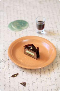 A receita em português está em baixo.     Еще один рецепт от японского кондитера Hidemi Sugino. И какой рецепт! Это то самое пирожное...