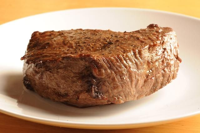 how to cook the perfect steak in an oven