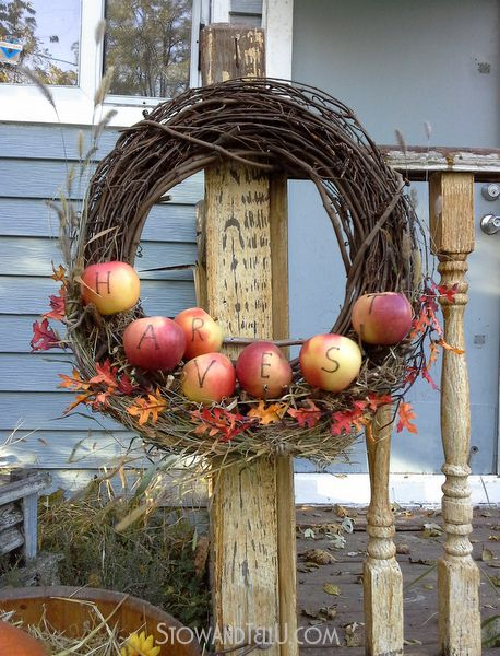 Apple Branch Wreath with Twig Shelf | Stow&TellU
