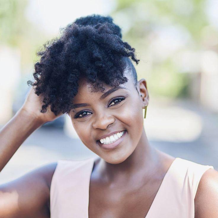 - Ndinda (@sheilandinda) Afro hair. Natural hair. Kinky hair. Afro bangs. Afro fringe.