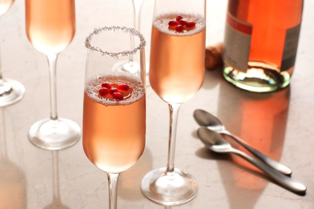 Ring in the New Year with our Festive Champagne Gelatin! This champagne gelatin is a delightful treat with pink Moscato champagne and pomegranate garnish.
