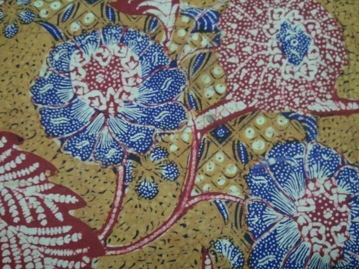 Batik tiga negeri (batik 3N). Flowery n stunning. Hand drawn and vintage #indonesianbatik