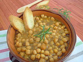 Con l'arrivo del primo freddo si ha voglia di una buona zuppa calda. Oggi ho preparato una deliziosa zuppa di ceci. Un piatto gustoso...