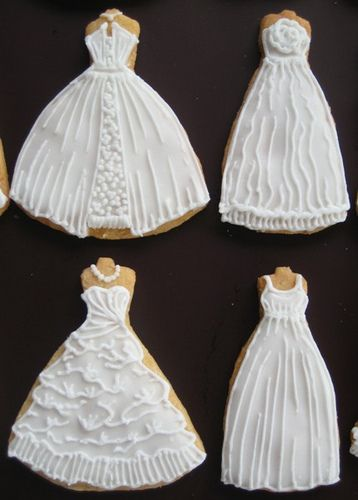 image of traditional wedding cakes 25 best ideas about wedding dress cupcakes on 16315