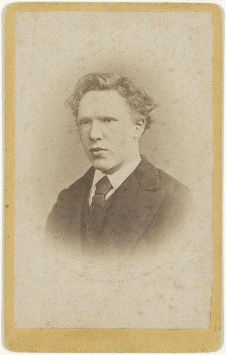 Vincent Van Gogh at 19 years old. https://t.co/l5PjteZbKc https://t.co/bYZNVLFSsS