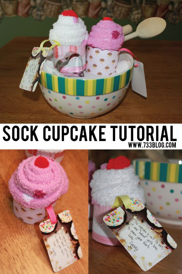 See how to make adorable and cool sock cupcakes to give as gifts this Christmas. | gift wrapping