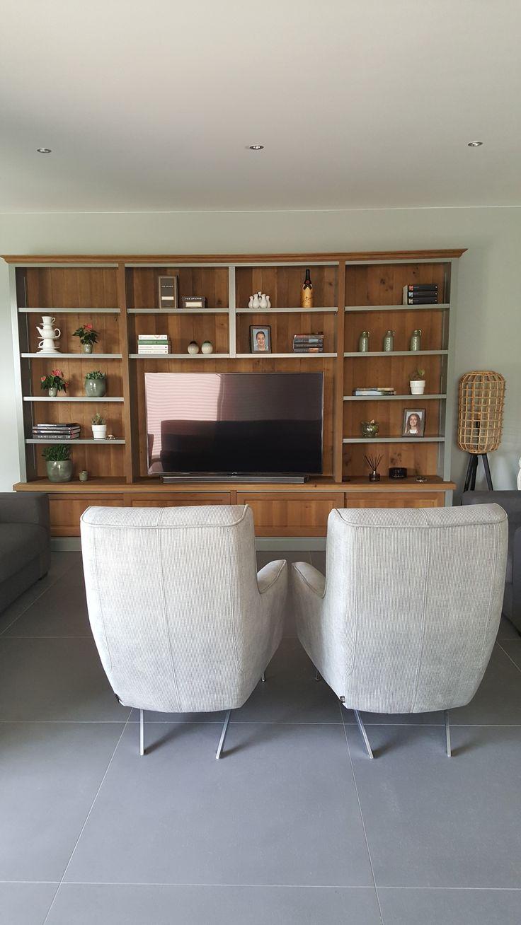 Kast Tucson op maat laten maken wel 3.45mtr breed bij Rofra Home en de planken in RAL 7023 laten schilderen