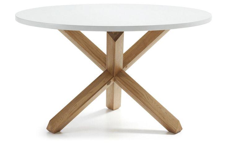 Spisebord i eik modell NORI.  #spisebord #bord #spisestue #kjøkken #eik #tre #møbler #interior #interiør #interiormirame #interiormirame #interiørpånett #nettbutikk #design #nori