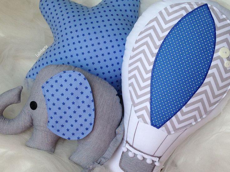 Jogo de almofadas super especial para compor a decoração do seu principe! Medidas: - Balao: 30 cm de altura - Elefante: - Estrela: 30 cm de altura