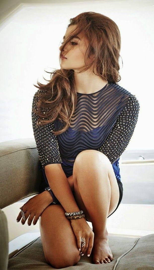 Alia Bhatt Latest Hot Bikini Wallpapers (6)
