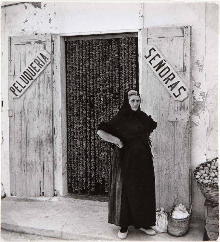 Maspons, Oriol - Peluquería de señoras, Ibiza | Museo Nacional Centro de Arte Reina Sofía