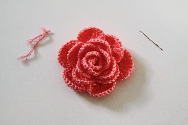 Crochet Rose Pattern Tutorial 27 by Anne Butera