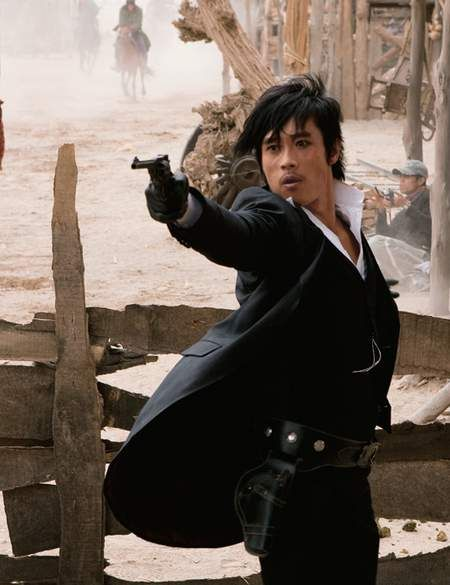 The Good, The Bad, The Weird - love Lee Byung-hun's style in this movieKorea Lee, Lee Byung Hun, Foreign Movie, Character Inspiration, Singer Sisters, Favorite Character, Byung Hun Style, Character Design, Asian Sexy