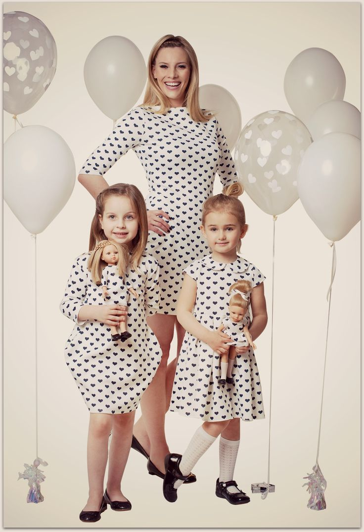 Alice in wonderland style matched dresses for mother, daughter and doll. Dolls that looks like your child. #motheranddaughter #dress #shootidea
