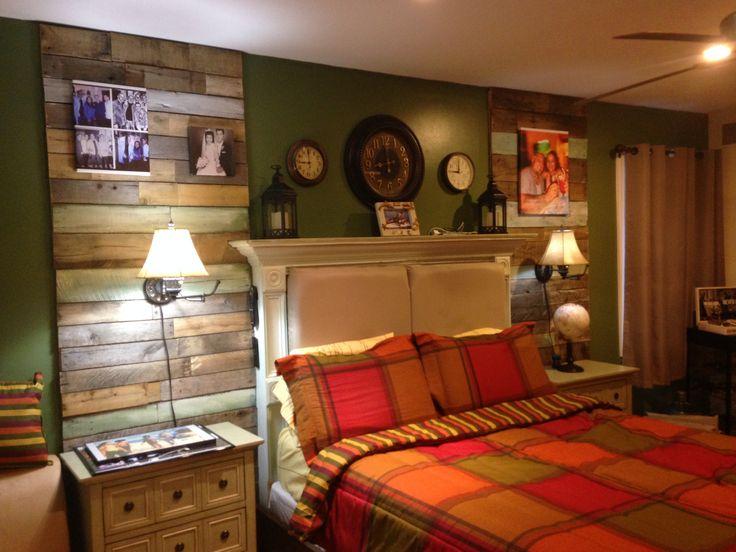 Pallet bedroom wall