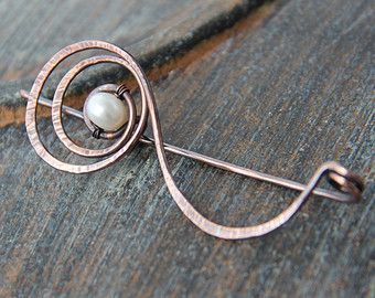 Copper wire wrap shawl pin with bronzite by Keepandcherish on Etsy