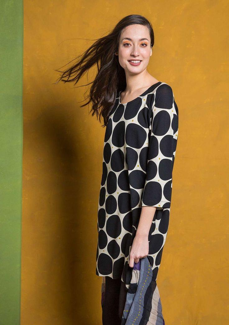 Kläder från XS till stora storlekar upp till XXL. Hitta kläder i stora storlekar, plus size här. Alltid fri frakt.