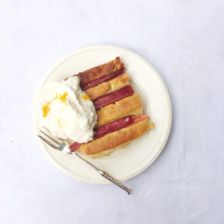 Rabarbercake met kokosroom maken via @madebyellen