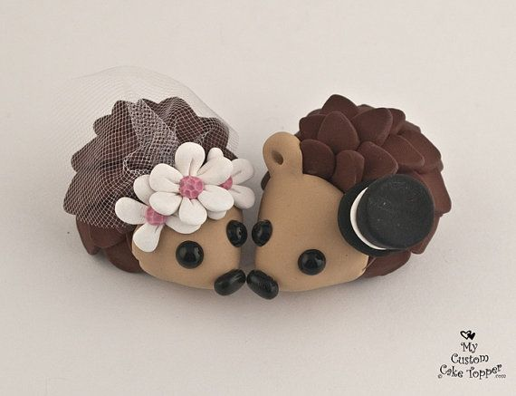 Hedgehogs Wedding Cake Topper with Daisies by MyCustomCakeTopper