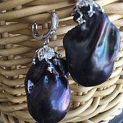 Купить или заказать Ожерелье и браслет 'Лунная бабочка' из барочного жемчуга. в интернет-магазине на Ярмарке Мастеров. 'Лунная бабочка ' (Hypolimnas bologna) - Символ потаённых Желаний. За белые пятнышки, которые у самцов в лучах солнца отсвечивают ещё и завораживающим фиолетовым цветом, лунная бабочка получила прозвище 'диадема' Ожерелье длинное 65 см, из барочного жемчуга freshwater и жемчуга Kasumi like -цвета чайной розы с родированной чёрной фурнитурой и кубическ...