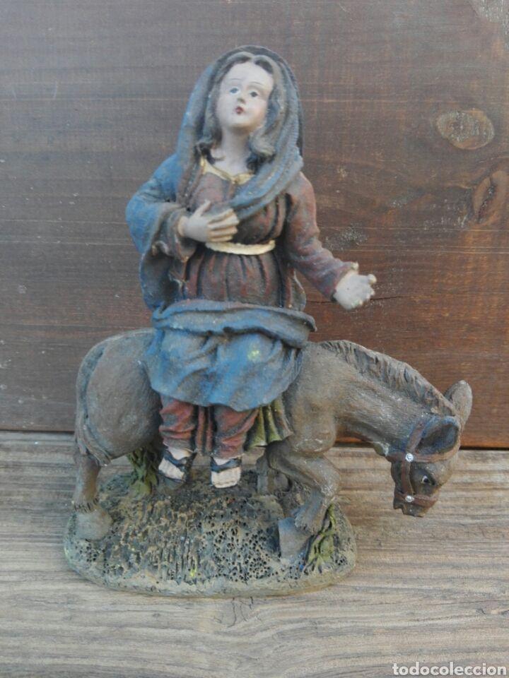 Figura de Belen Virgen en burra