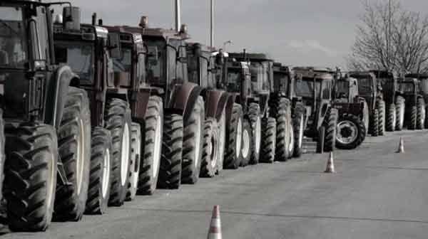 [Τελικά πόσοι είναι οι αγρότες στη χώρα; Ακριβώς κανείς δεν γνωρίζει. Μία απογραφή τούς εμφάνιζε ως 813.000 αλλά στην πραγματικότητα δεν είναι ούτε 300.000 ενεργοί] Σε όλη την Ευρώπη απασχολείται το 2,5-3% του πληθυσμού σε αγροτικές και κτηνοτροφικές εργασίες και … Συνέχεια ανάγνωσης →