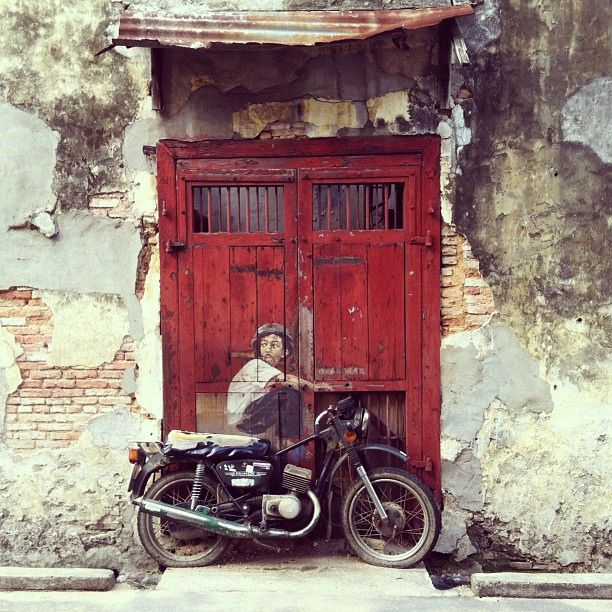 Old Motorcycle by Ernest Zacharevic  #penang #pinang #malaysia #georgetown #motorcycle #old #kid #mural #graffiti #creative by Minifanfan Eng, via Flickr
