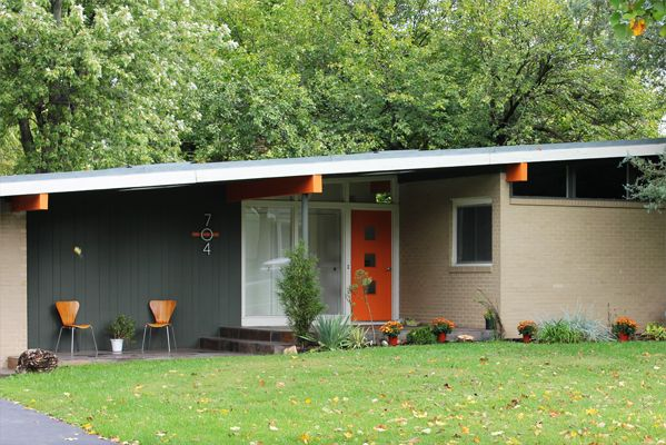 25 best ideas about mid century exterior on pinterest atom windows mid century ranch and for Mid century modern exterior paint colors