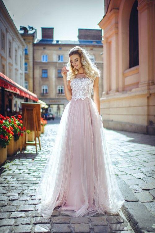 Красивые платья на выпускной фото, модные платья на выпускной 2018-2019  фото, фасоны e785a3dda1f