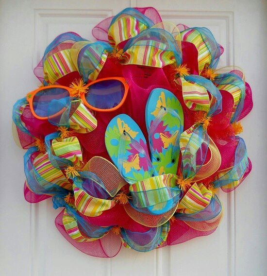 Summer Wreath - cute idea for my summer wreath at work!