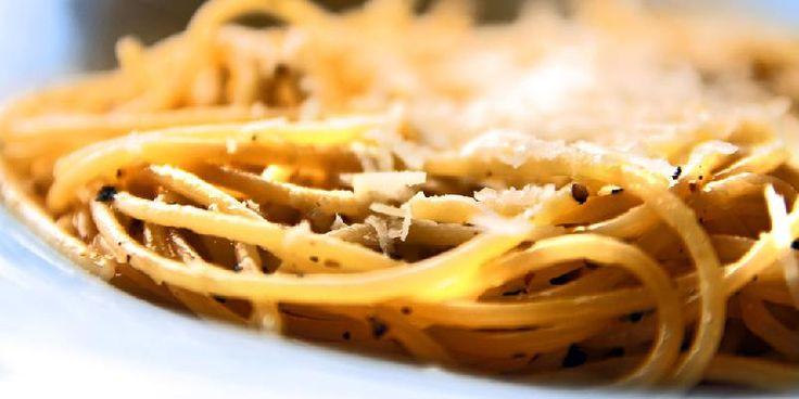 Spagetti med pepper - En klassiker ved navn kan få en renessanse med denne billige, enkle og gode pastaretten.