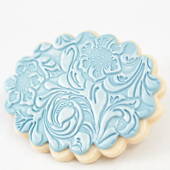 Wedding Cookie Favors - Scalloped Oval Seafoam Blue - Very detailed embossing!   (Looks like it is stamped to me)