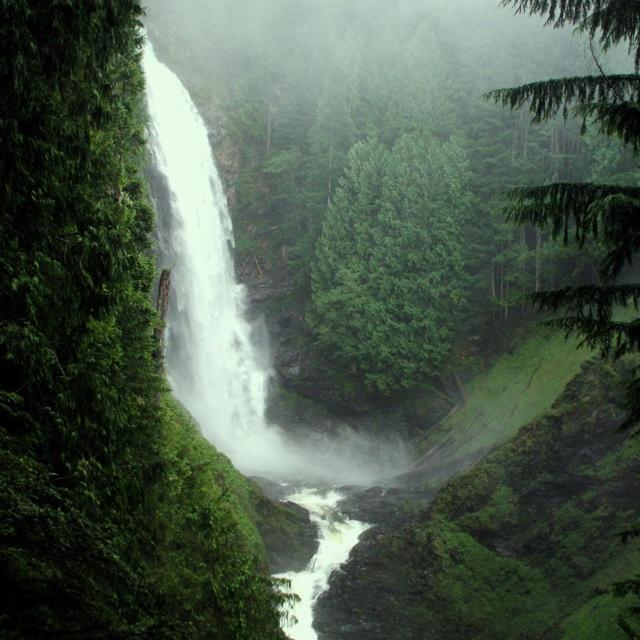 Wallace Falls , Washington State Park