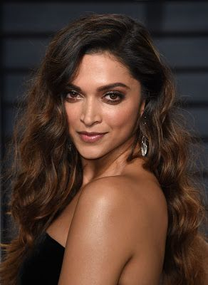 High Quality Bollywood Celebrity Pictures: Deepika Padukone Looks Stunning At The Vanity Fair Oscar Party 2017 in Los Angeles