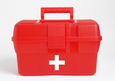Making a College Dorm First Aid Kit