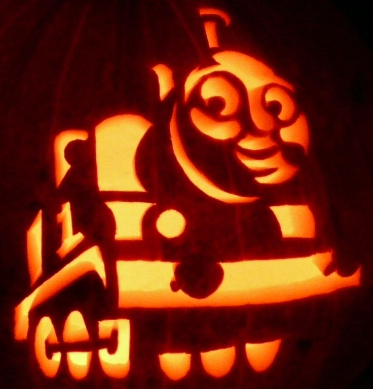 Here39s zombiepumpkinscom39s thomas the train on a real for Thomas pumpkin template