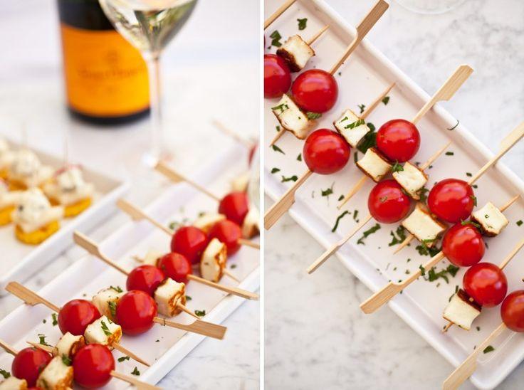 Halloumi se sladkými cherry rajčaty