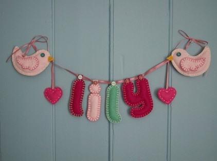 Lekre vimpler til barnerommet! : Foreldremanualen