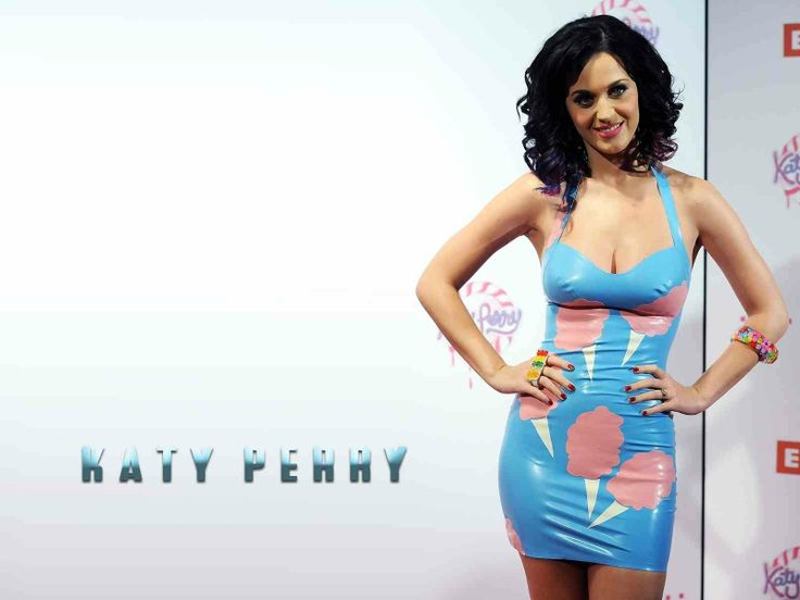 katy perry wall paper | katy standing mext to name - Katy Perry Picture