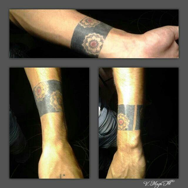 Tattoo bracciale