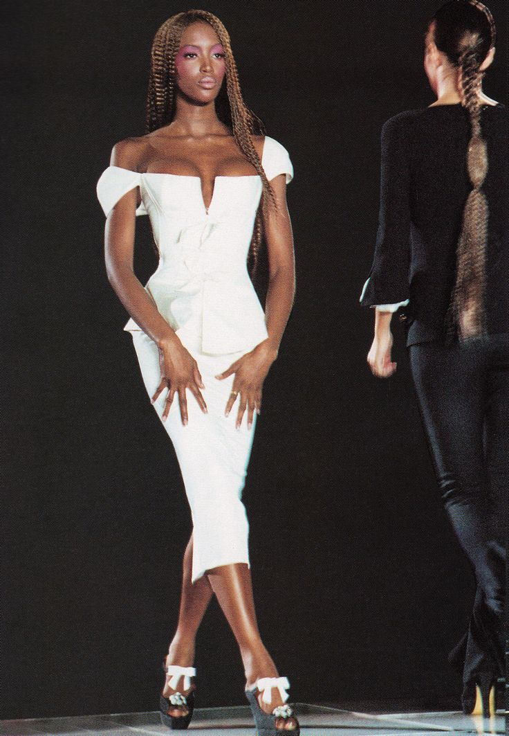 Miami Collection | Gianni Versace Lookbook NR. 24 | RTW S/S 1993 —