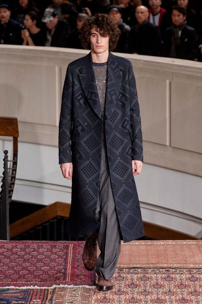 Mode à Paris FW 2014/15 – Paul Smith See all the catwalk on: http://www.bookmoda.com/sfilate/mode-a-paris-fw-201415-paul-smith/ #paris #fall #winter #catwalk #menfashion #man #fashion #style #look #collection #modeaparis #paulsmith @Paul Smith