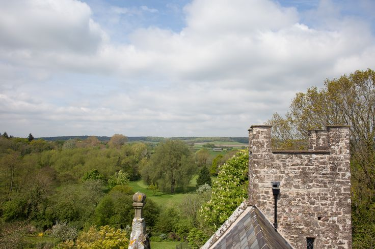 Remarkable 700 year old historic gatehouse lovingly restored as a couples bolthole - Cosy up by the fire or venture out and explore the beautiful Wye Valley.