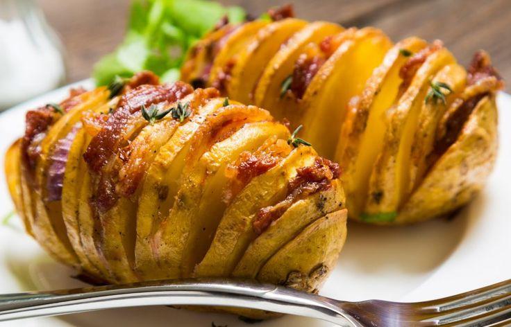 Cartofii acordeon/Hasselback se fac în 1 oră și sunt absolut delicioși. Masa perfectă , după o rețetă rapidă și folosind ingrediente la îndemâna oricui!