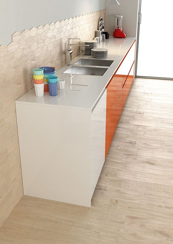 Kitchen_Herberia_ Natural Wood floortile and walltile Almond 15x90. Cucina_Herberia_serie Natural Wood pavimento e rivestimento Almond 15x90