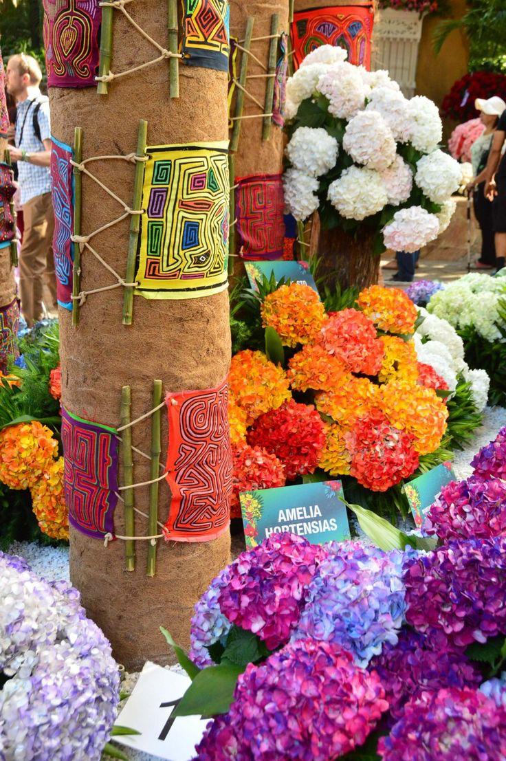 display at the medellin botanic gardens     I Feria de  Las Flores Medellin I Flower Festival Medellin I flowers I colorful flowers I colourful  flowers