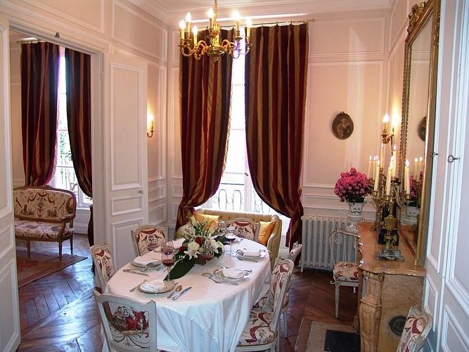 The Dining Room #Paris #luxury #apartment #rental #ilesaintlouis