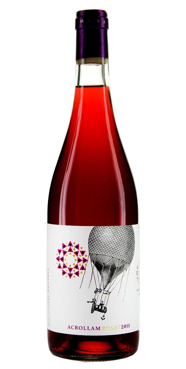 Mesquida Mora #Acrollam Rosat Ecologic - Ganz im Einklang mit der Natur Mallorcas und der Menschen produziert, offenbart der Acrollam Rosat seinen ganzen unverfälschten Charakter und ein volles Aroma roter und schwarzer Beeren. Ein Hauch dezenter Restsüße rundet diesen Hochgenuss ab. Wenn Sie auf Mallorca fliegen oder in neue Genusssphären aufsteigen möchten, haben Sie mit diesem Wein den richtigen Piloten gefunden. #Wine #Wein #Bottle #Weinflasche #Design #Biowein