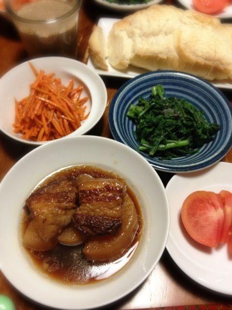 寒い時には煮物。 - 17件のもぐもぐ - 豚バラ肉と大根の煮物、春菊ごま味噌あえ、人参バルサミコ酢あえ、レバーペースト。 by raku_dar