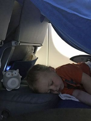 A Fly Tot tent - worked great to get baby to sleep on plane - Alesund to Calgary & Fly Tot Inflatable Airplane Cushion Review | ?? | Toddler travel ...